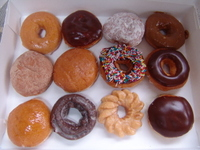 Dozen_doughnuts_2